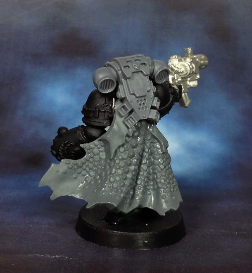 I really do need to paint my squad of Sternguard with these cloaks, they look badass!
